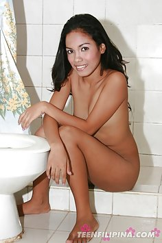 Filipina beauty Carla shows of gorgeous smile and hot nude body