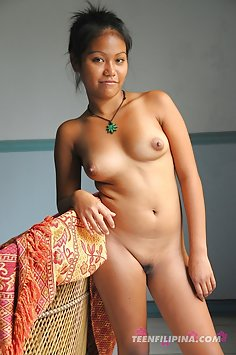 Cute young filipina girl gets it on with her boy friend
