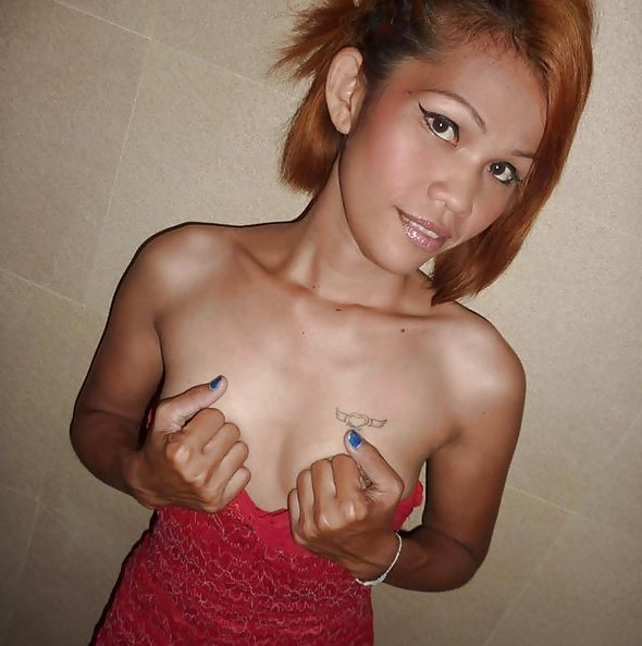 Submitted pics of a cute Thai girl friend